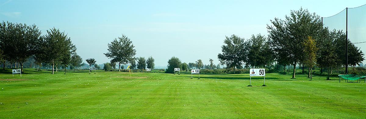 Locatie golfles van gaby for Verlichte driving range
